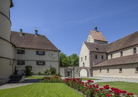 Klosterhof beim Münster St. Maria u. Markus, Reichenau