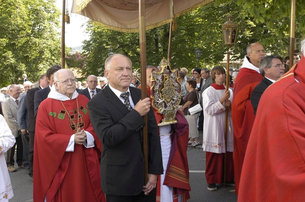 Heilig-Blut-Fest Prozession mit Reliquie